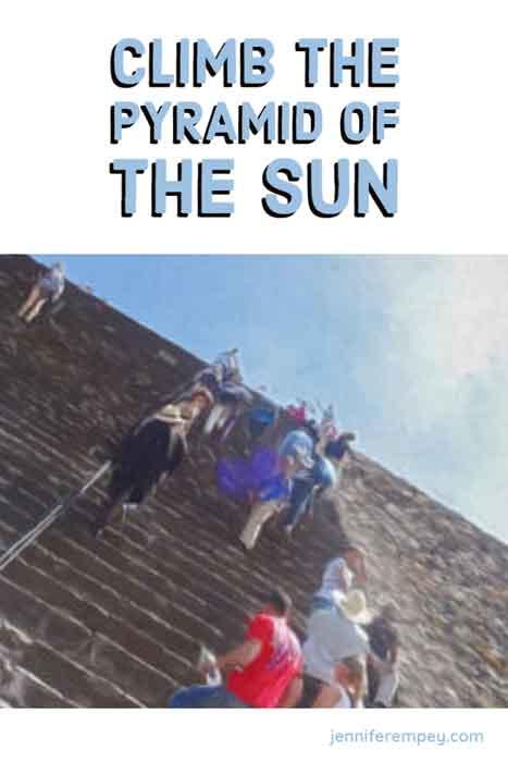 Teotihuacán Pyramids Pin