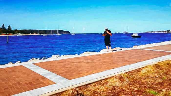Walk along the Bay